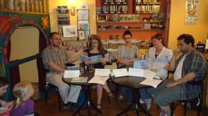 """La presentación de mi libro, en 1 de junio, 2011, Librería """"Anno Mesebolt"""", Budapest, Hungría"""